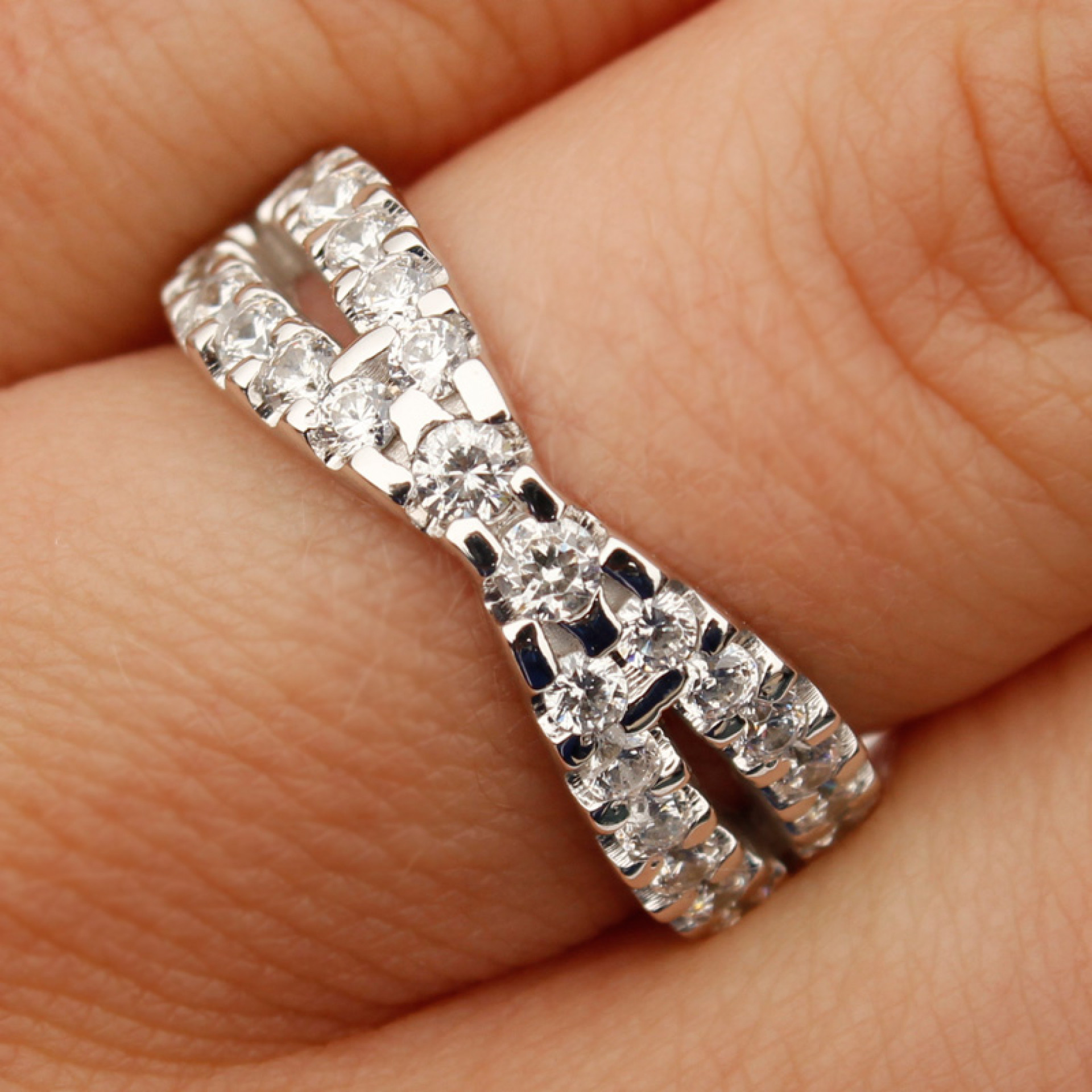 Crossed Wedding Bands.Criss Cross Ring 14k White Gold Size 7 0