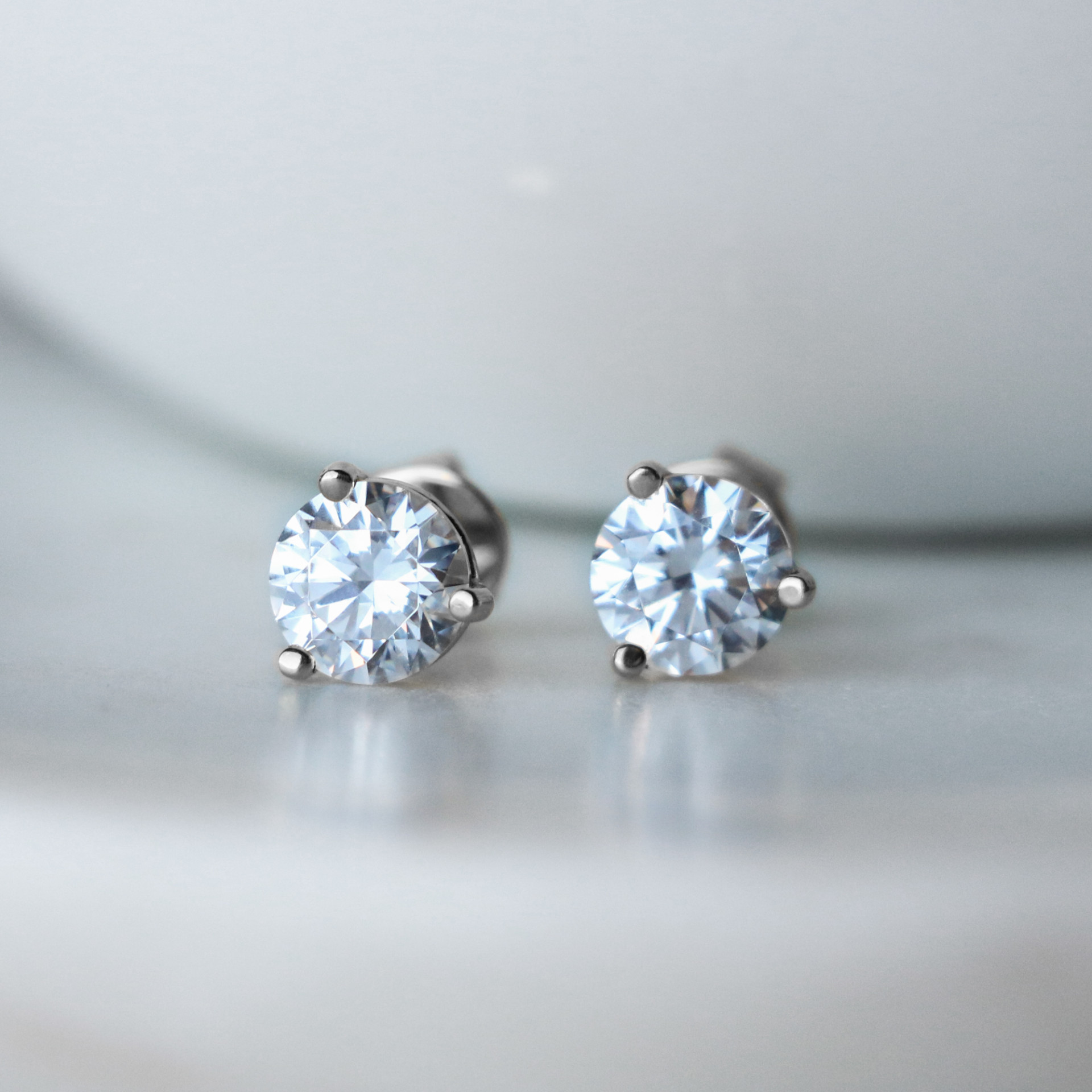 339352e52 Earrings | Classic/Stud | Round Cut Stud Earrings, Tension Back ...