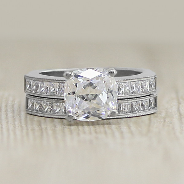 Alyssa with 2.04 carat Cushion Center and One Matching Band - Palladium - Ring Size 5.5