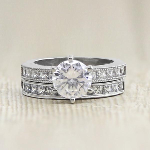 Alyssa with 1.03 carat Round Brilliant Center and One Matching Band - Palladium - Ring Size 4.25