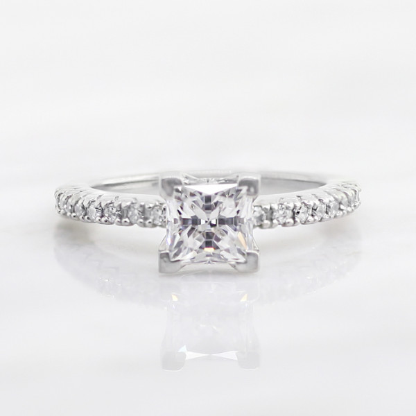 Angelix with 0.99 carat Princess Center - 18k White Gold - Ring Size 5.5-7.5