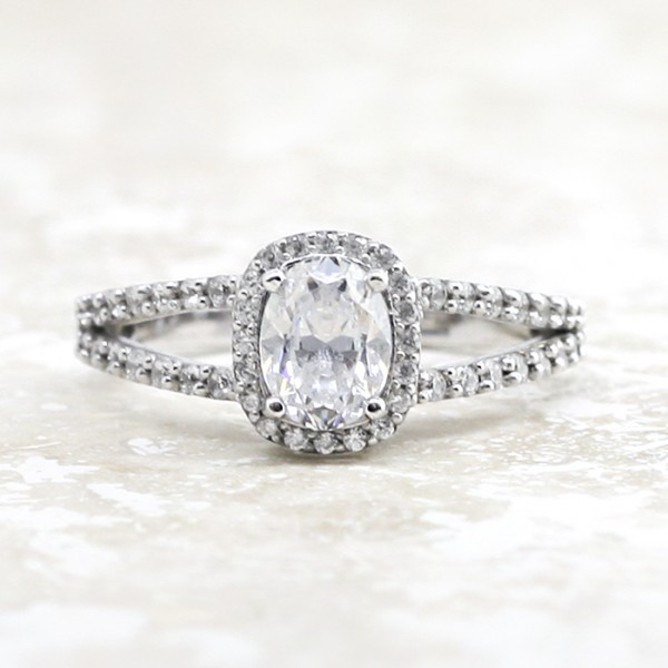 Bella Vista with 0.98 carat Oval Center - Palladium - Ring Size 4.0