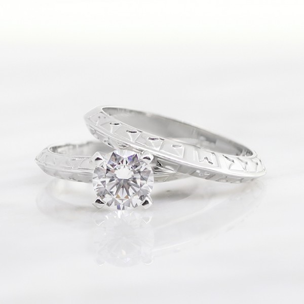 Carla with 1 03 carat Round Brilliant Center and Matching Band - 14k White  Gold - Ring Size 5 25-8 25