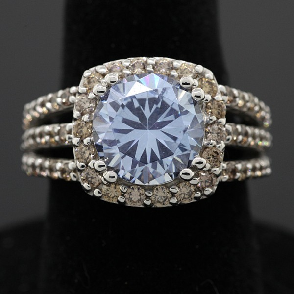 Blue 42 - 14k White Gold - Ring Size 6.0