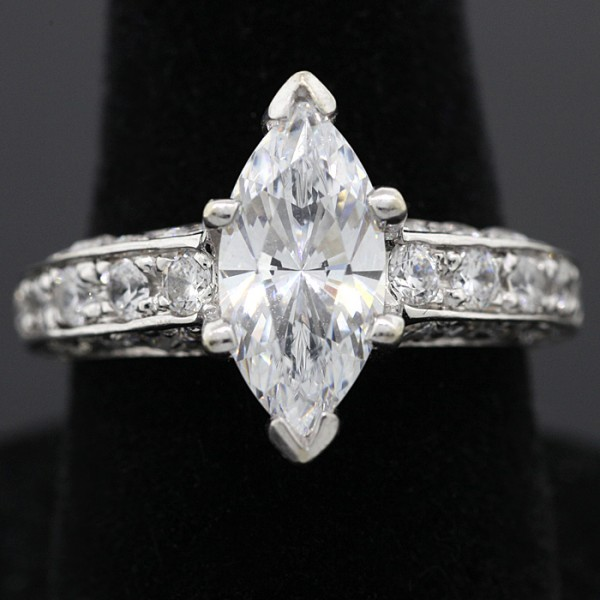 The Ultimate Fan  - 14k White Gold - Ring size 6.25