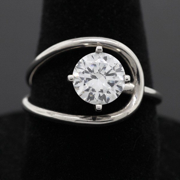 Orbit  - 14k White Gold - Ring Size 7.0