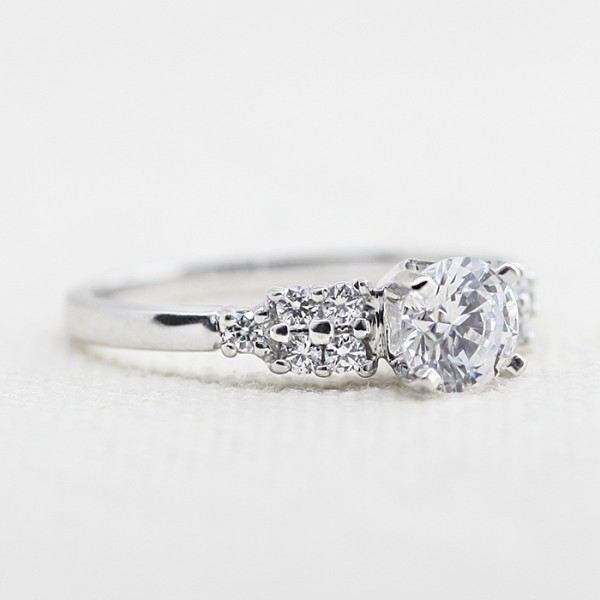 Fifth Avenue - 1.03 Round Cut, 14k White Gold - Size 10.0
