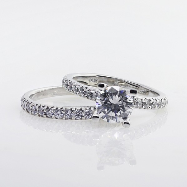 Gwyneth with 2.04 carat Round Brilliant Center and One Matching Band - Platinum - Ring Size 4.0-6.5