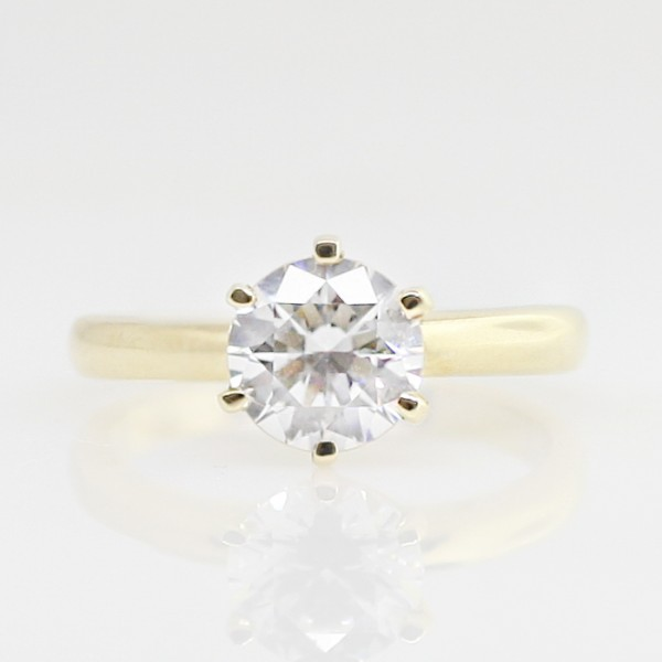 Jonquil with 1.67 carat Round Brilliant Center - 14k Yellow Gold - Ring Size 5.0-9.0