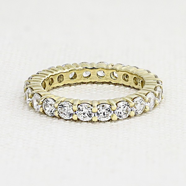 Touch of Paradise with 2.0 Total Carat Weight - 18k Yellow Gold - Ring Size 6.5