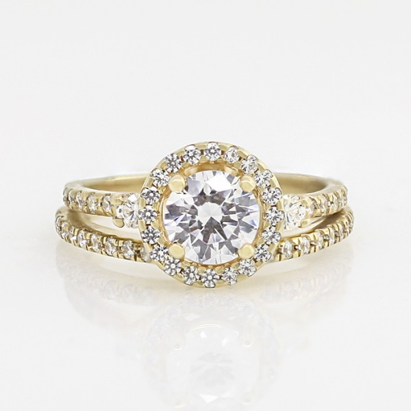 Ulyssa with 0.76 carat Round Brilliant Center and One Matching Soldered Band - 10k Yellow Gold - Ring Size 5.0