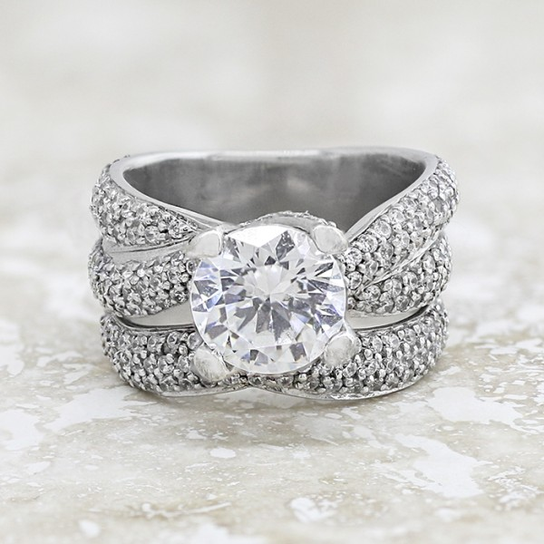 Aurora with 2.04 carat Round Brilliant Center and One Matching Soldered Band - 14k White Gold - Ring Size 5.0