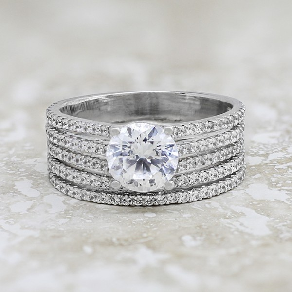 Bella Diva with 2.04 carat Round Brilliant Center and One Matching Soldered Band - 14k White Gold - Ring Size 10.0