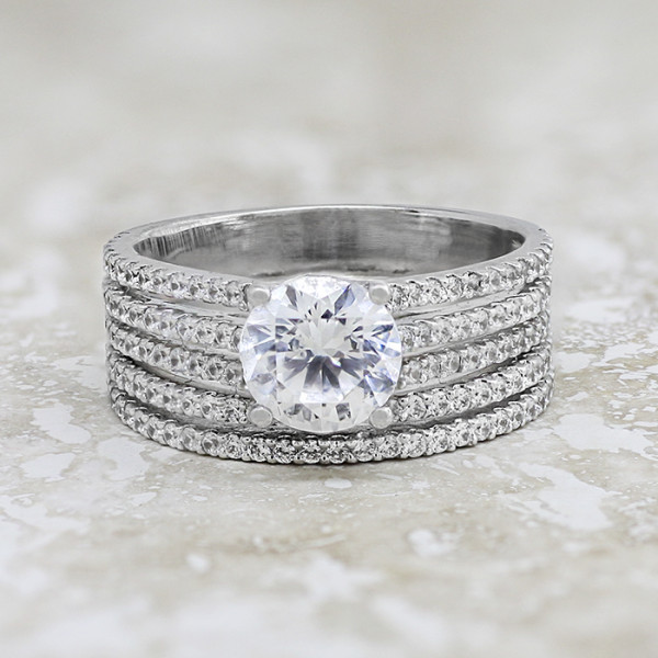 Discontinued Bella Diva with 2.04 carat Round Brilliant Center and One Matching Band - 14k White Gold - Ring Size 7.25-8.0