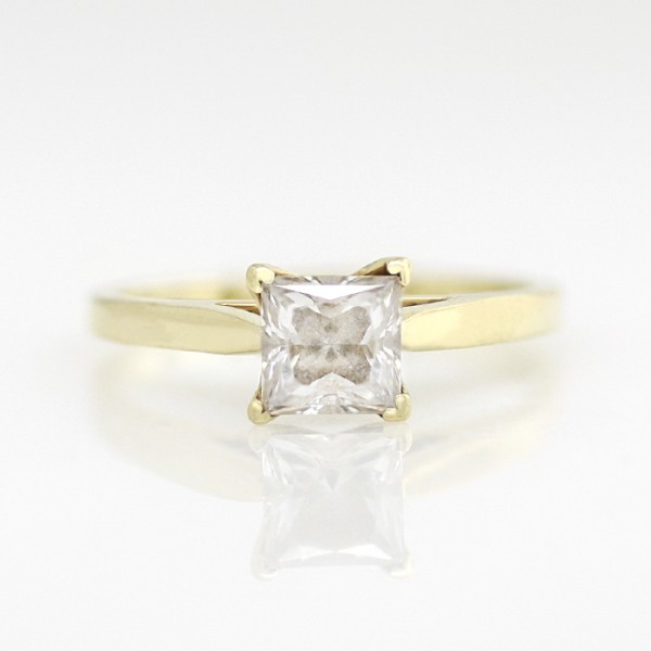 First Love with 0.99 carat Princess Center - 14k Yellow Gold - Ring Size 5.0-9.0