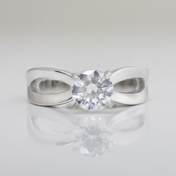 Elliptic with 2.04 carat Round Brilliant Center - Palladium - Ring Size 10.0