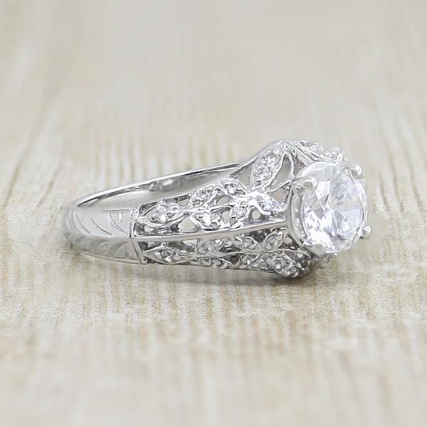 Edwardian-Style Ring with 0.84 carat Round Briliant Center - 14k White Gold - Ring Size 7.0-8.0