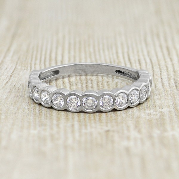 Round Brilliant Bezel Set Wedding Band - Platinum - Ring Size 7.25