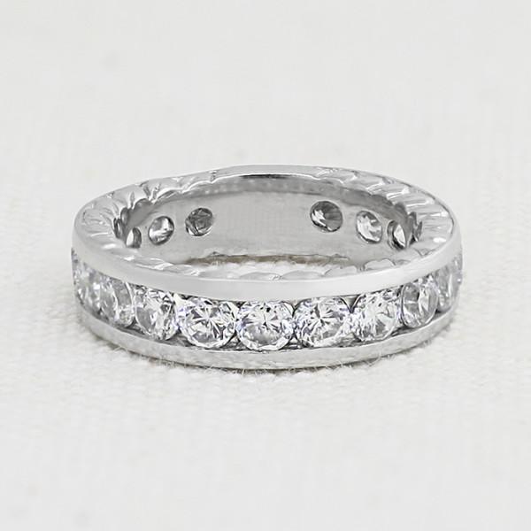 Futuris Band - 14k White Gold - Ring Size 7.25