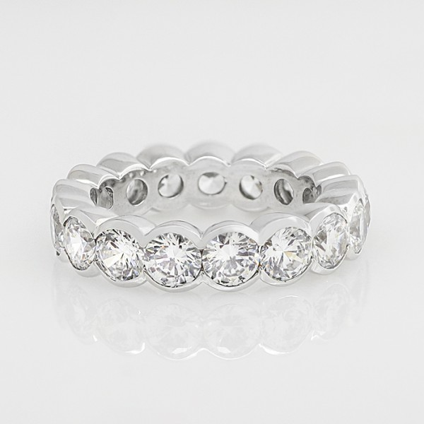 Round Brilliant Eternity Band - 14k White Gold - Ring Size 7.0