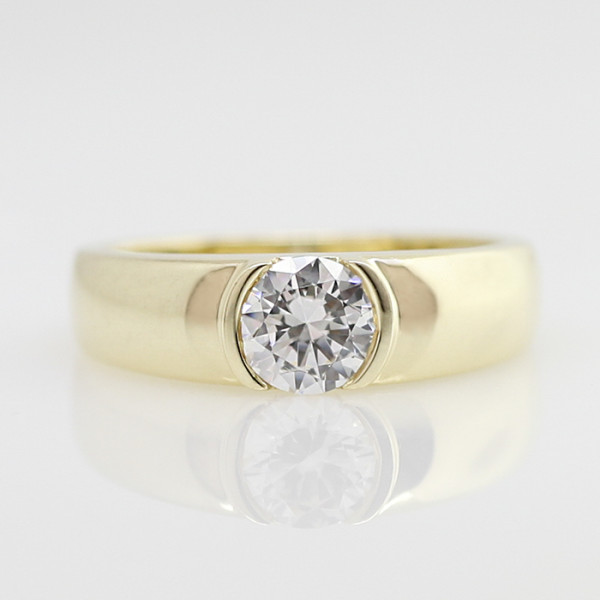 Luna with 1.75 carat Round Brilliant Center - 14k Yellow Gold - Ring Size 8.5