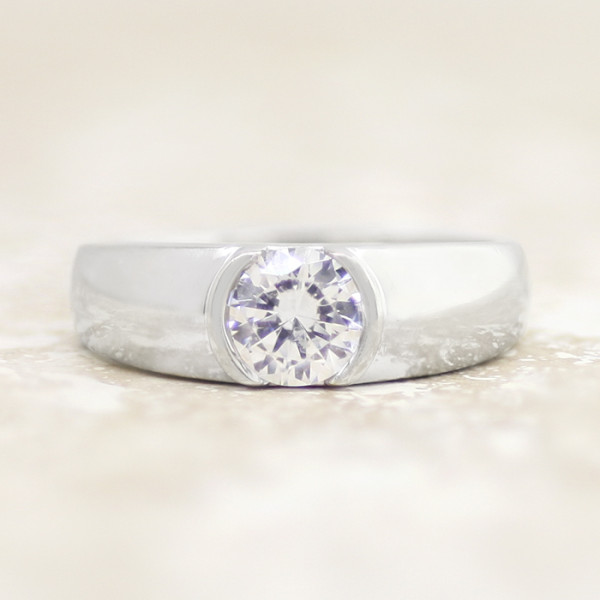 Luna with 1.03 carat Round Center - 14k White Gold - Ring Size 10.00-11.00