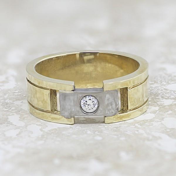 Summit - 14k Yellow Gold - Ring Size 8.5
