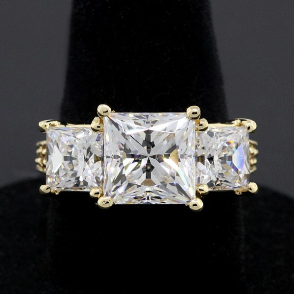 Rapture with 3.67 Princess Cut Center - 14k Yellow Gold - Ring Size 6.75-7.75