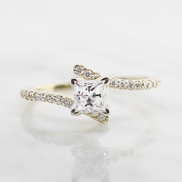 Raina with 0.99 carat Princess Center - 14k Yellow Gold - Ring Size 5.5-7.0