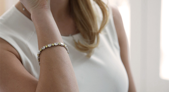 Canary and white stones bracelet